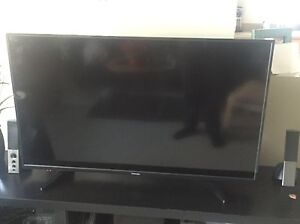 """Xbox One and 43"""" Toshiba LCD Tv"""