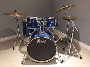 Pearl Export Drum Set - like new!!