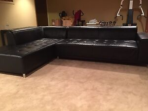 LEATHER SECTIONAL SOFA ASKING ONLY $600