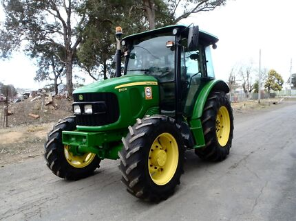 John Deere 5100R  FWA/4WD Austral Liverpool Area Preview