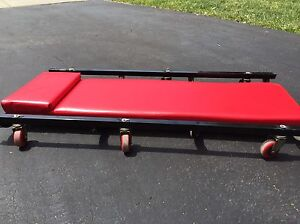 LOW Profile Auto CREEPER   Immaculate condition