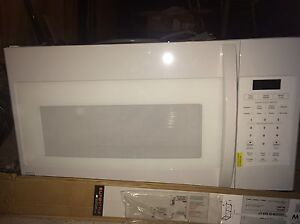 Kenmore Over the Stove Microwave New Never Used