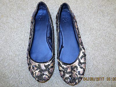 NEW YORK AND COMPANY NY&C FLATS SHOES GOLD BLACK SEQUINS SLIP ON SIZE 6 ](Black And Gold Sequin Shoes)
