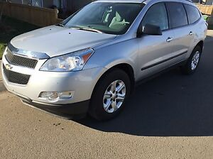 2011 Chevrolet traverse AWD....$10900