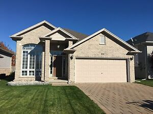3 bedroom raised ranch home in the wonderful town of Strathroy!