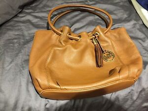 AUTHENTIC MICHEAL KORS HAND BAG London Ontario image 1