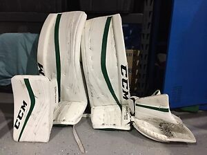 CCM premier full goalie set (like new)