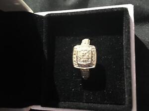 18ct diamond encrusted ring Wellard Kwinana Area Preview