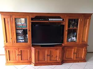 Entertainment Unit Maryland Newcastle Area Preview