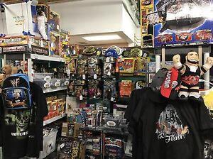 Oilers Mcdavid HOCKEY CARDS Gretzky Wrestling WWE Figures Shirts