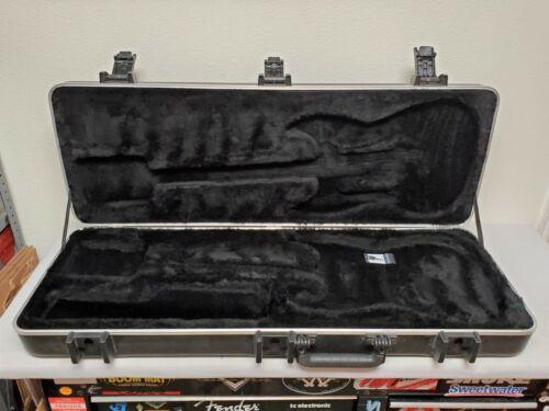 2011 SKB Fender Black ABS HARDSHELL CASE American Standard Strat Tele USA Guitar
