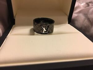 Louis Vuitton rings  REDUCED  Prince George British Columbia image 2