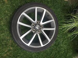 Holden ve ssv wheel x1 one wheel and tyre with centre cap Keilor Downs Brimbank Area Preview