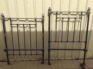 Antique vintage iron single bed frame McLaren Flat Morphett Vale Area Preview