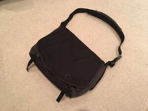 Crumpler laptop/camera messenger bag