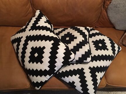 3 rectangular cushions $20