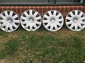 Holden commodore hubcaps 15 inch Cranbourne North Casey Area Preview