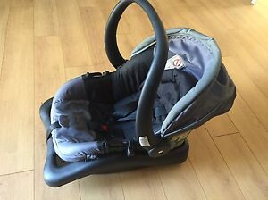 Safety 1st car seat with base