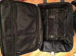 Luggage Belleville Belleville Area image 2
