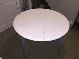 Table and four chairs for sale!! Price reduced need gone.  St. John's Newfoundland image 2