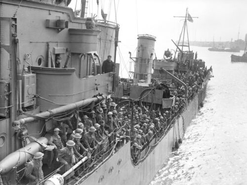 Evacuated troops from Dunkirk on a destroyer about to berth at Dover-1940 Photo