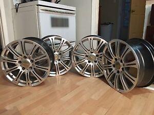 Complete set 17 inch, 5 x115 rims rssw 9/10 condition