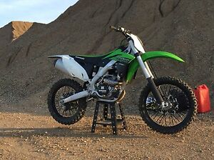 2015 Kawasaki Kx250F *Low hours*