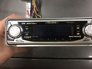 Pioneer deck DEH 660 CD player satellite compatible