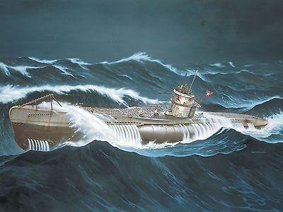 """REVELL® 05015 1:72 German Submarine VII C """"Wolf Pack"""" / """"Die grauen Wölfe"""""""