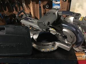 Saw wrench and socket set