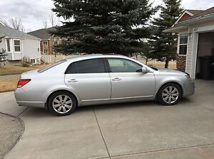 2005 Toyota  Avalon XLS  Must Sell. Reduced to $8200