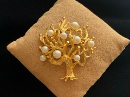 Vintage Crown Trifari Faux Pearl Tree of Life Gold Tone Brooch Pin