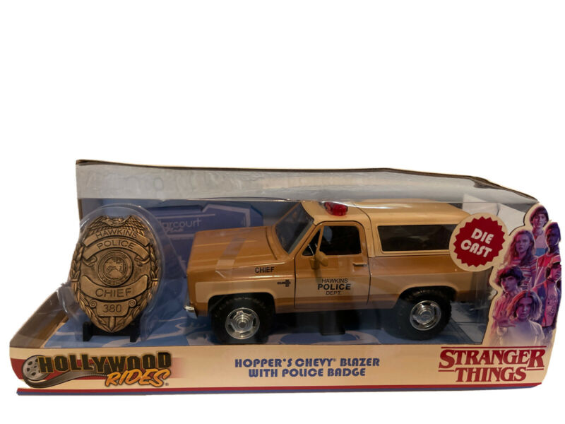 hoppers chevy blazer with police badge stranger things..