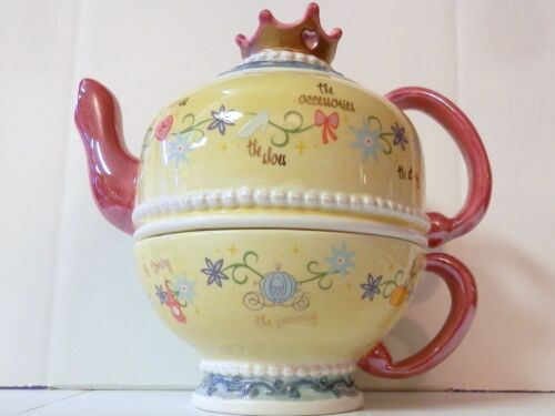 Disney Cinderella Story Teapot  Crown Lid with Jewel Pearl accents Tea for One
