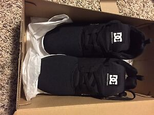 DC men's shoes size 8.5 - new in box