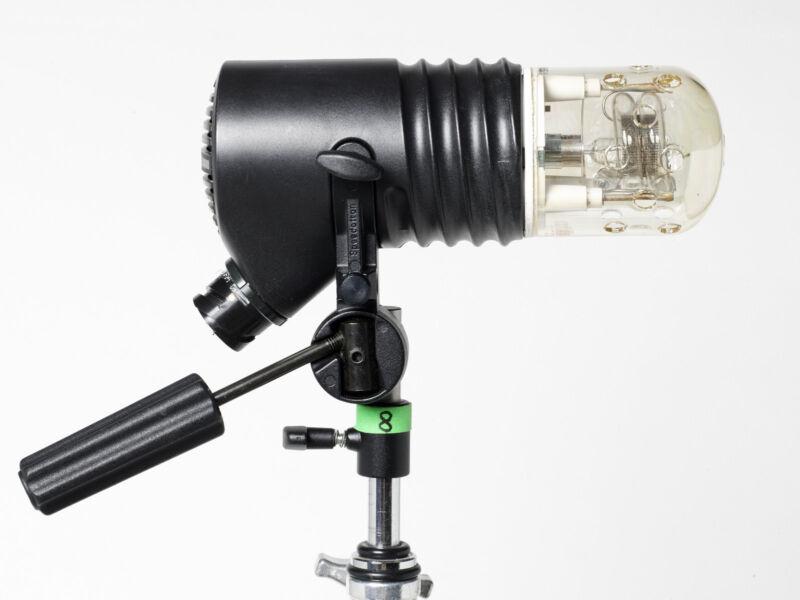 #8 Speedotron 202VFCC 2400 Watt/Second Maximum Flash Head (120VAC) MFR # 850380
