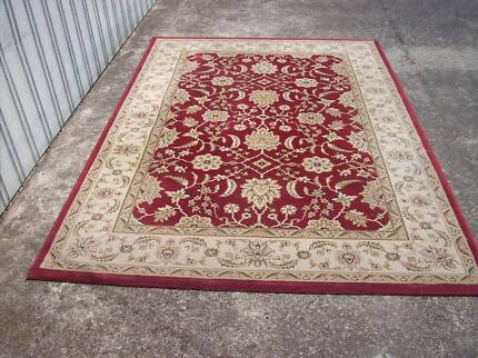 Persian style rug 160 cm by 235 cm beautiful design top quality