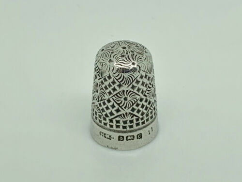 Antique Edwardian 1902 Henry Williamson Sterling Silver Pattern Thimble Size 11