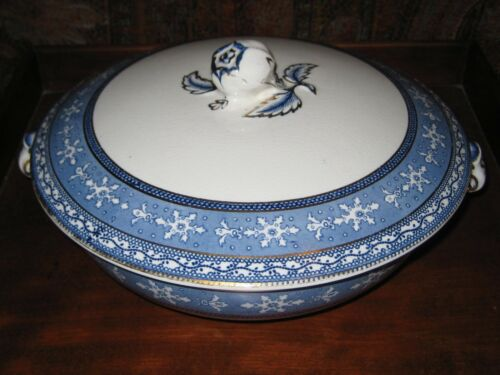 ANTIQUE MALING CETEM WARE MALTESE COVERED CASEROLE DISH C 1911