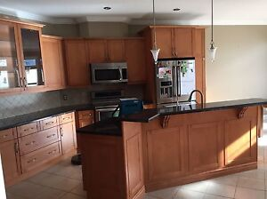Kitchen cabinets and granite for sale - 1500$