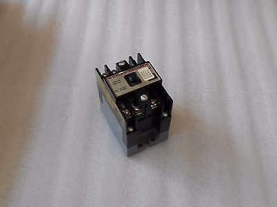 Cutler Hammer Type M Motor Control Relay,  D23MB, Used, Warranty
