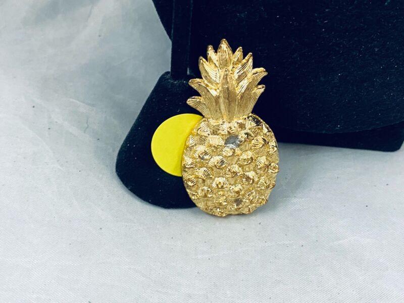 VTG. TEXTURED GOLD TONE PINEAPPLE FRUIT BROOCH