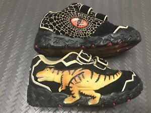 Dinosoles shoes