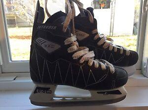 CCM Skates (size 4) Oakville / Halton Region Toronto (GTA) image 1