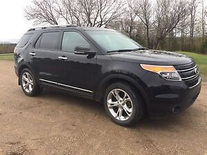 2012 Limited Explorer Low Km's