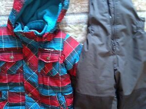 Gusti boy's snowsuit 4T. AVAILABLE