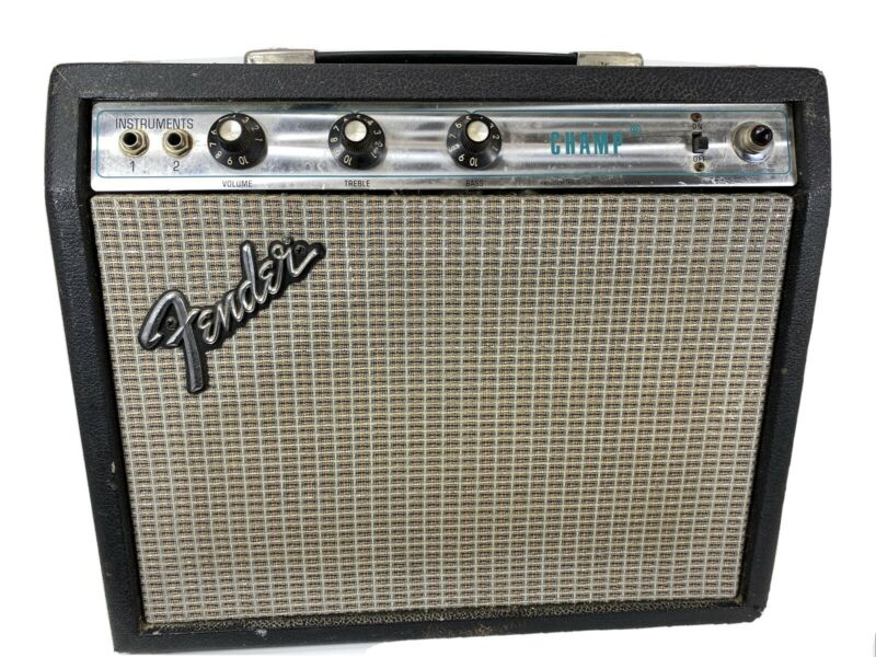Vintage 1976 FENDER CHAMP SILVERFACE Guitar Amplifier - VERY nice.