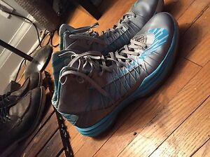 Nike SE Hyper Dunks size mens 12 basketball shoes
