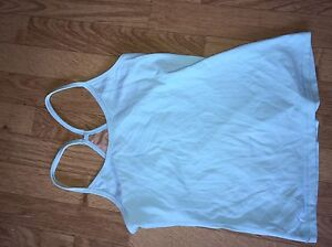 Size 4 lulu tanks!  Kingston Kingston Area image 2