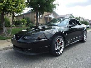 1999 Ford Mustang GT 35ieme anniversaire